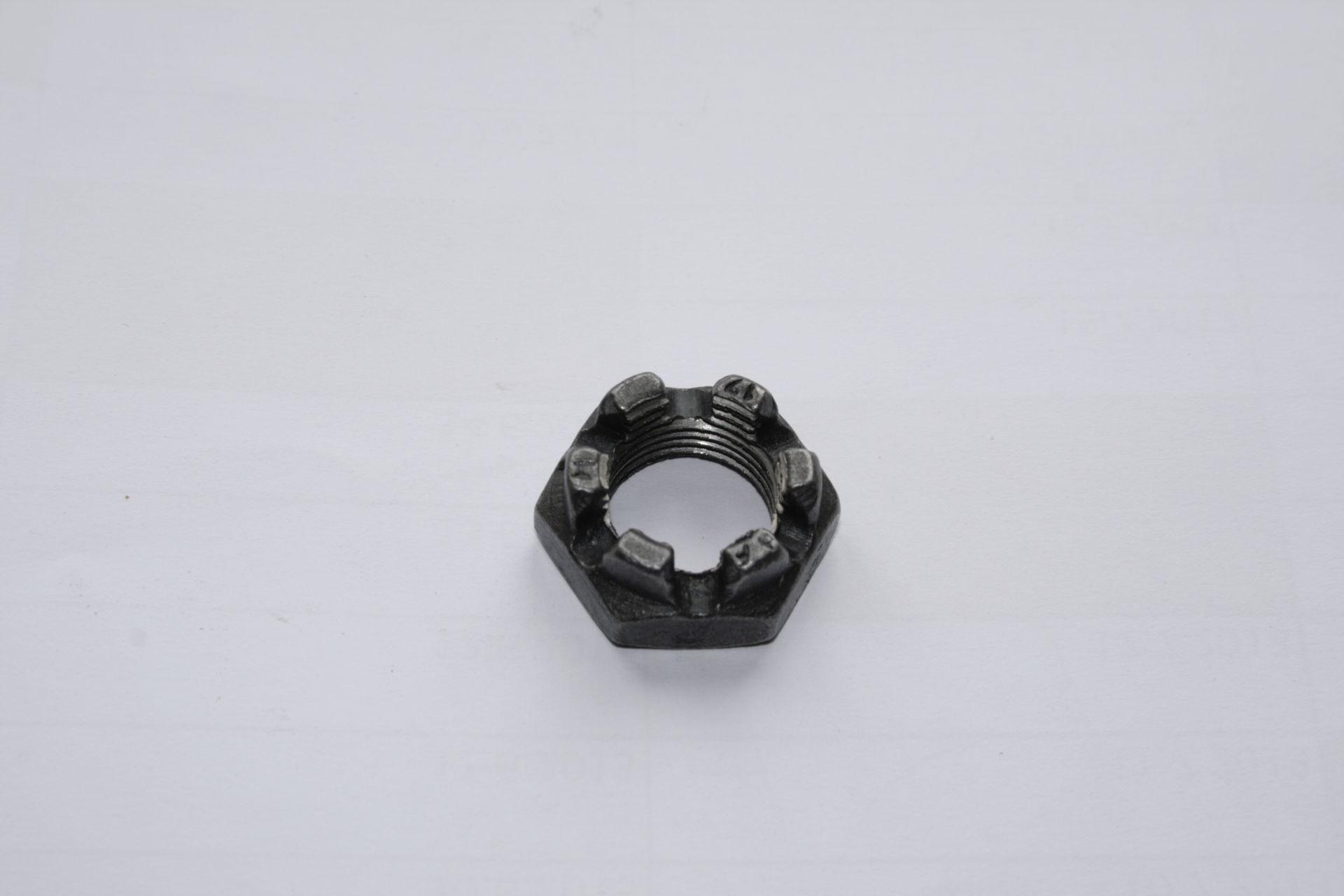 Matka korunková M18x1,5 černá