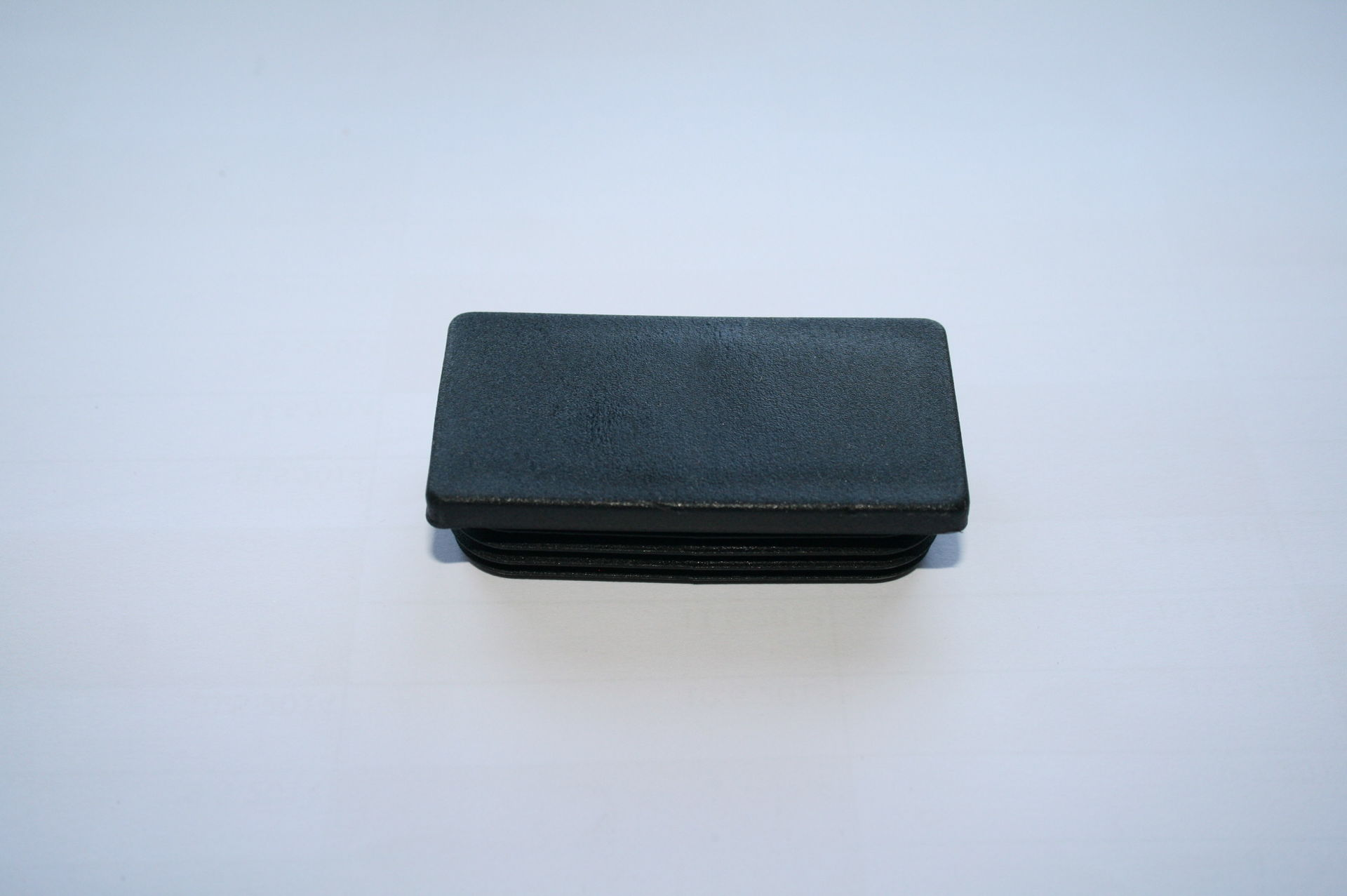 Záslepka černá 70x35 mm