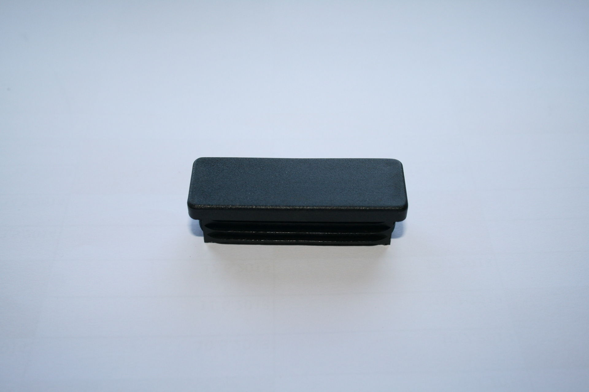 Záslepka černá 60x20 mm