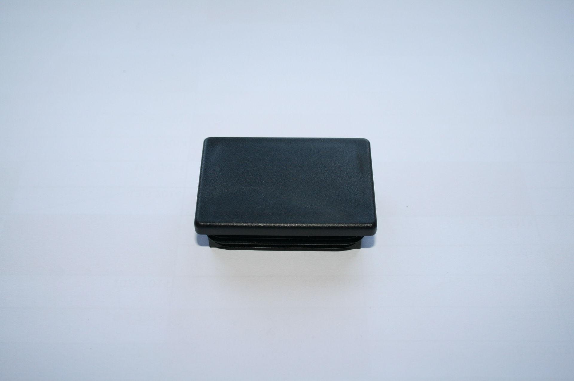 Záslepka černá 60x40 mm