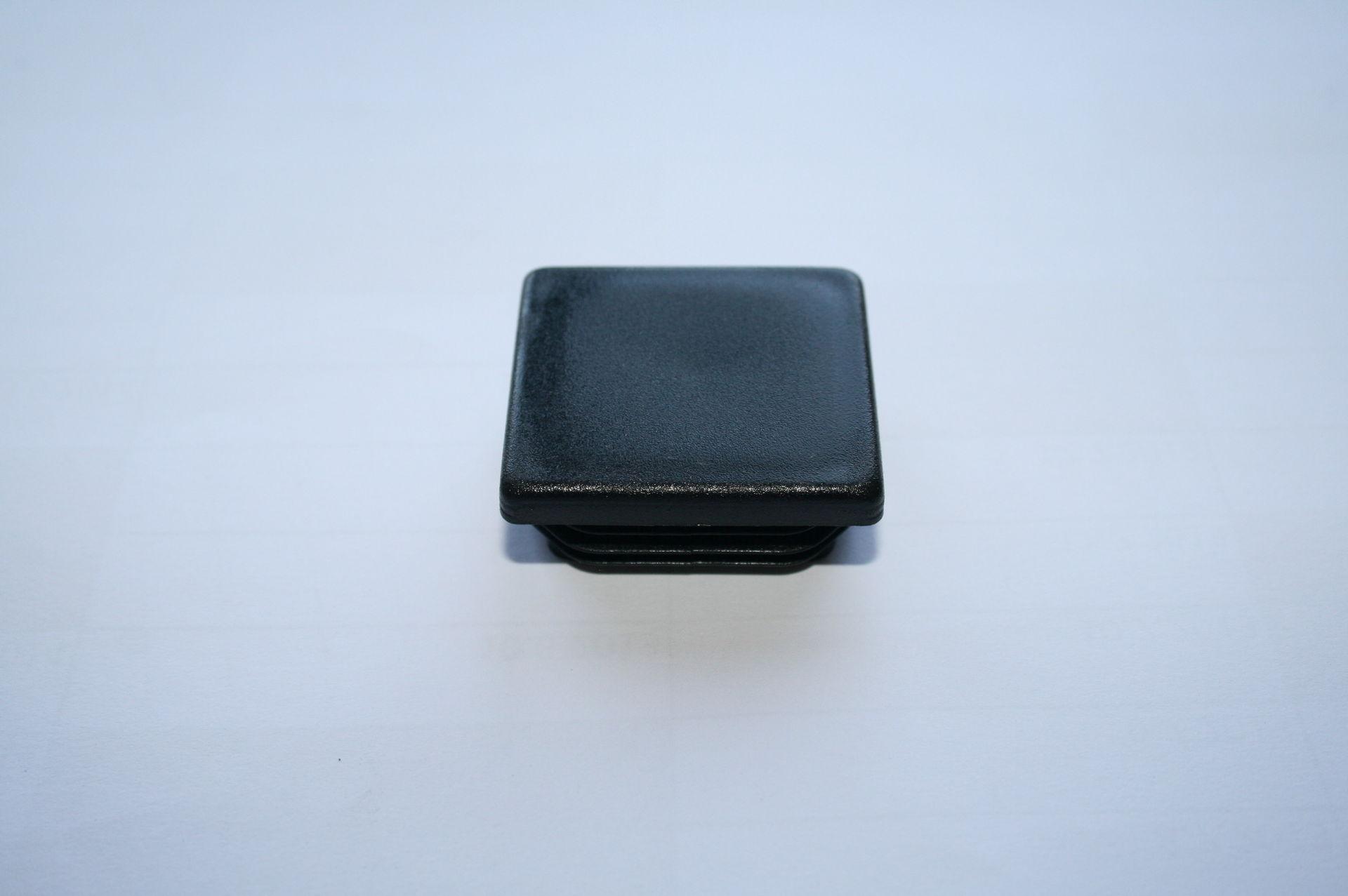Záslepka černá 40x35 mm