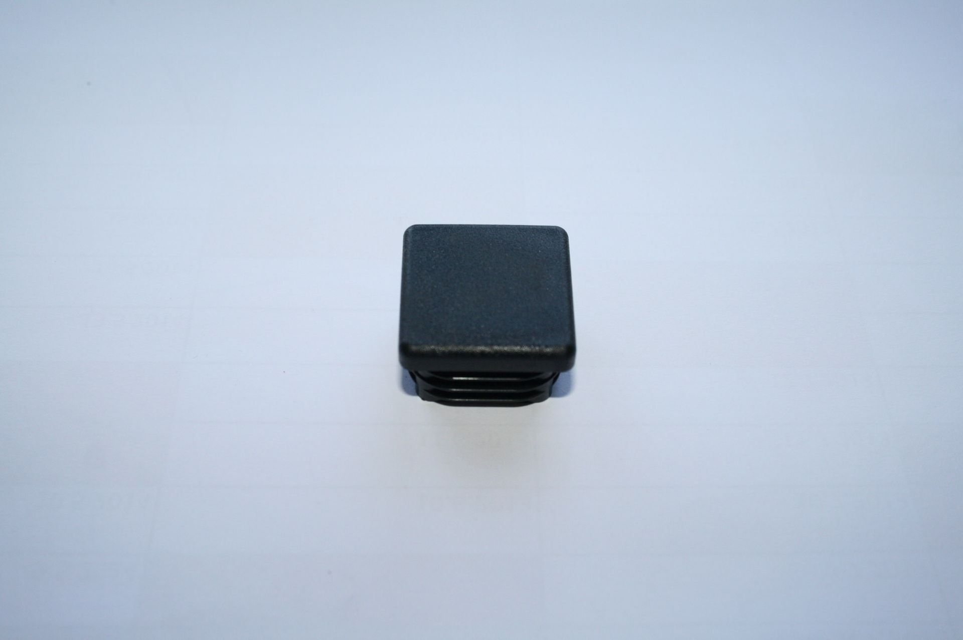 Záslepka černá 30x30 mm